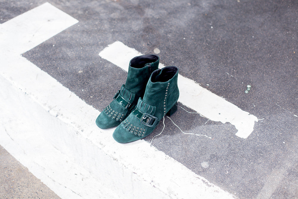 Portamento ankle boots in dark green suede leather. Made in Italy.
