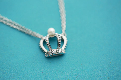 925 sterling silver  An crown necklace,Personalized fashion necklace,simple silver necklace,a dainty gift