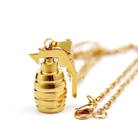 GOLDEN GRENADE PENDANT & NECKLACE