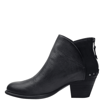 Womens ankle boot compass in black inside view