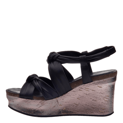 Womens wedge far side black inside