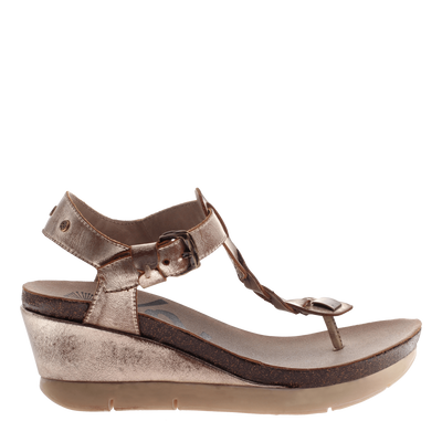 Graceville wedge in Gold outside view