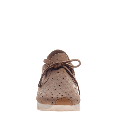 Lunar women's sneaker in Mid Taupe front view