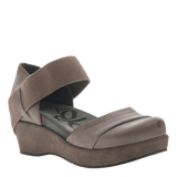 WANDER OUT in ZINC Closed Toe Wedges