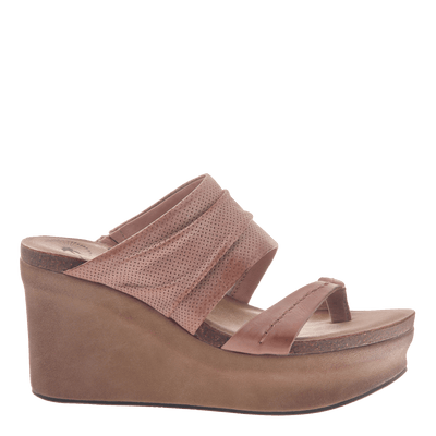 Womens wedge tailgate in warm pink side view