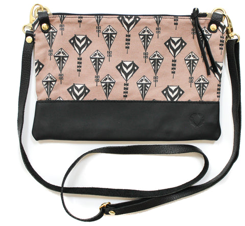 Flying kites townie cross body
