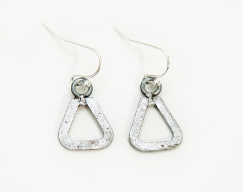 Mini triangle earrings
