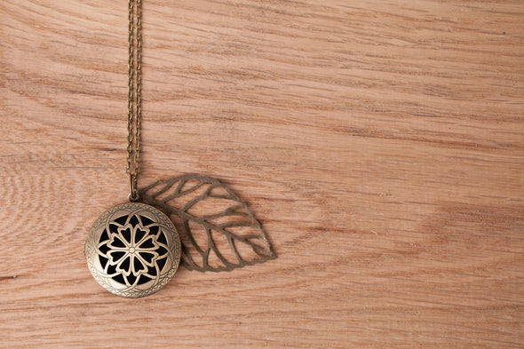 Bohemian Large Leaf Diffuser Pendant Necklace - The Oil Collection - 3