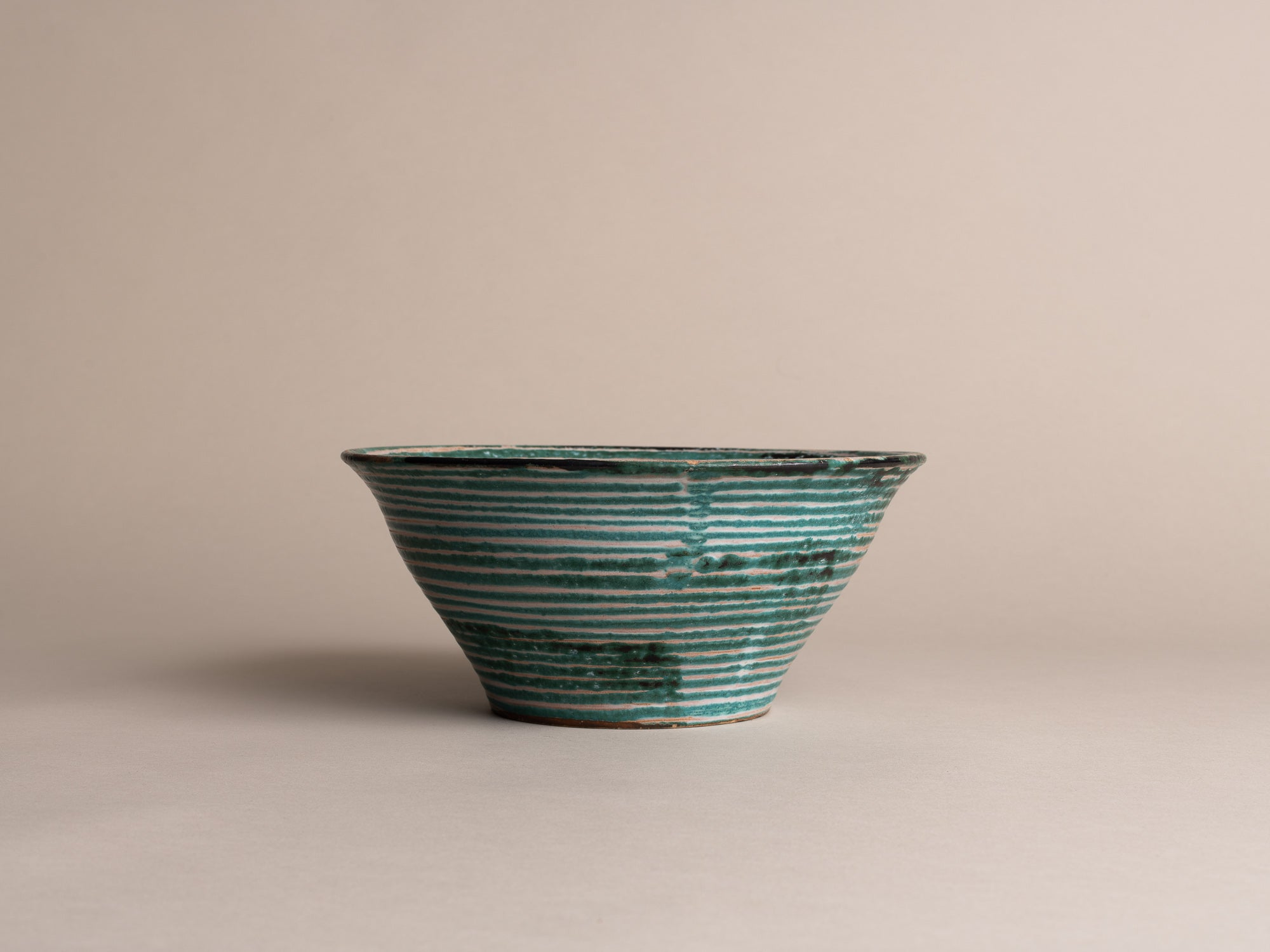 Coupe de Robert Picault, France (vers 1948)..Large Bowl by Robert Picault, France (circa 1948)
