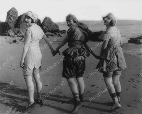 Bathing Beauties On The Beach Vintage 1920s 8x10 Reprint Of Old Photo