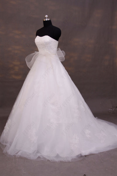 Sweetheart ball gown wedding dress with sash