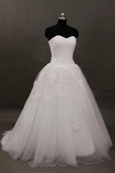 Sweetheart lace ball gown wedding dresses