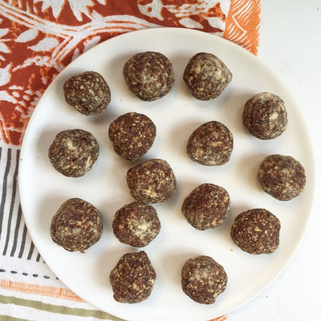 MEATLESS MONDAY: Cacao-Coconut Macaroon Bites