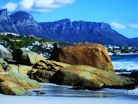 CAPE TOWN, SOUTH AFRICA : The city of contrasts, the city of beauty