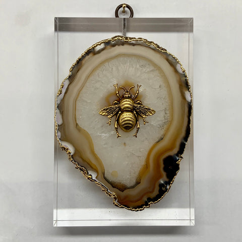 Lucite Block with Grande Bee on Agate (4x6