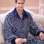 2017 Winter Spring Thick Coral Fleece Men Warm Pajamas Sets of Sleep Tops & Shorts Flannel Sleepwear Male Thermal Home Clothing