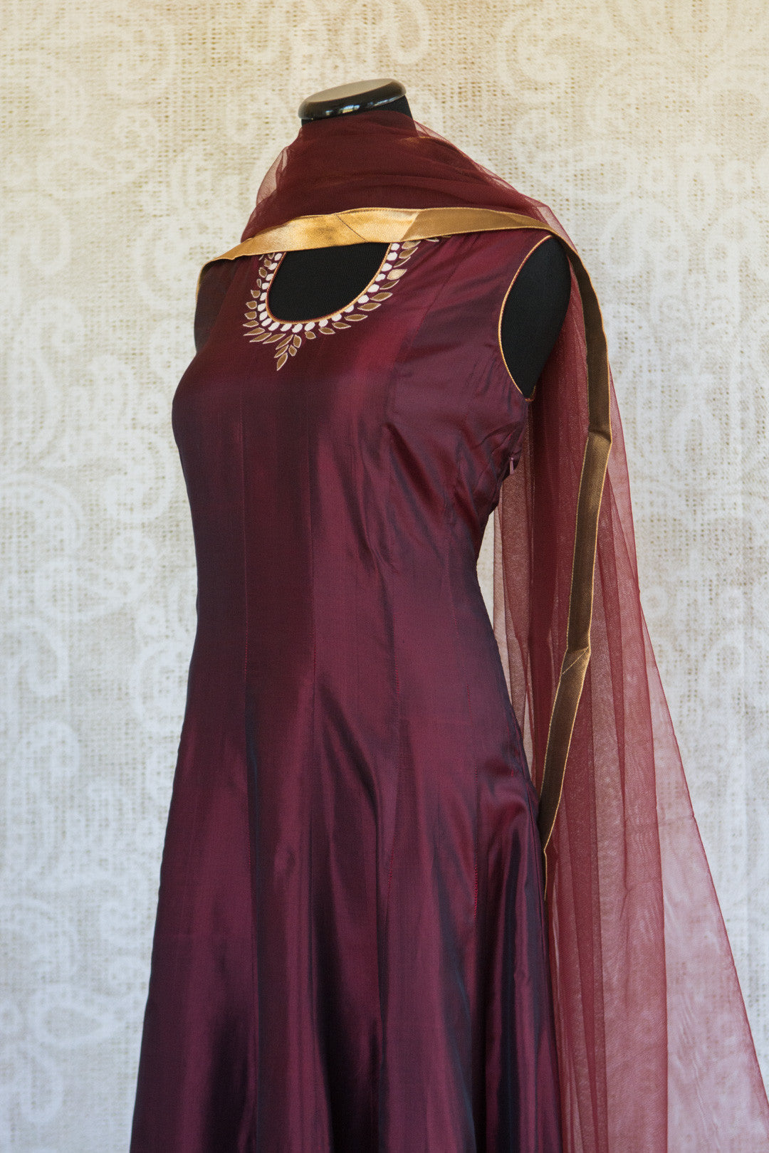 501085-suit-sleeveless-maroon-gold-embroidery-scarf-top-view-3