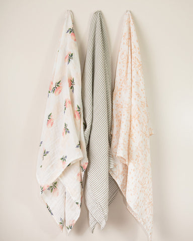 Garden Rose Cotton Swaddle Set