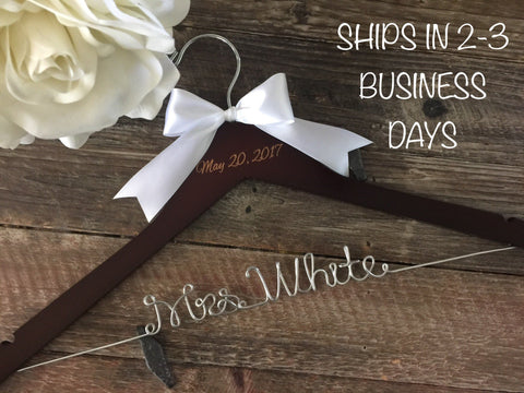 Wedding Hanger, Bride Hanger, Mrs Hanger, Bridal Hanger, Wedding Dress Hanger, Gift for Bride, Custom Name Hanger, Personalized Hanger