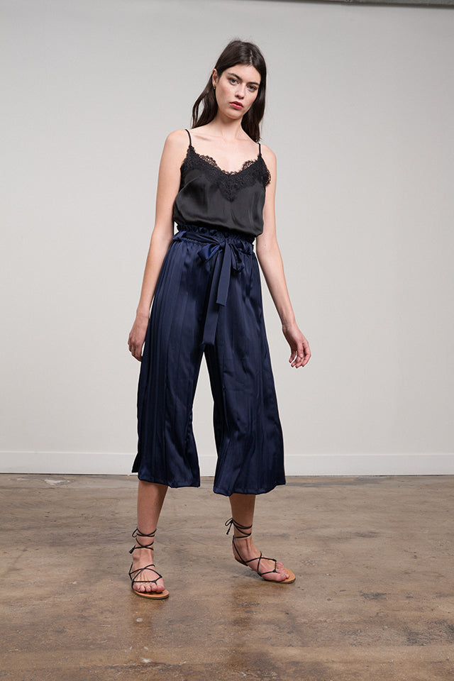 Estelle Pleated Silky Crop Pant