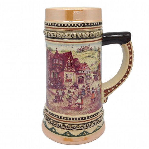 German Stein Village Dancers - DutchNovelties
