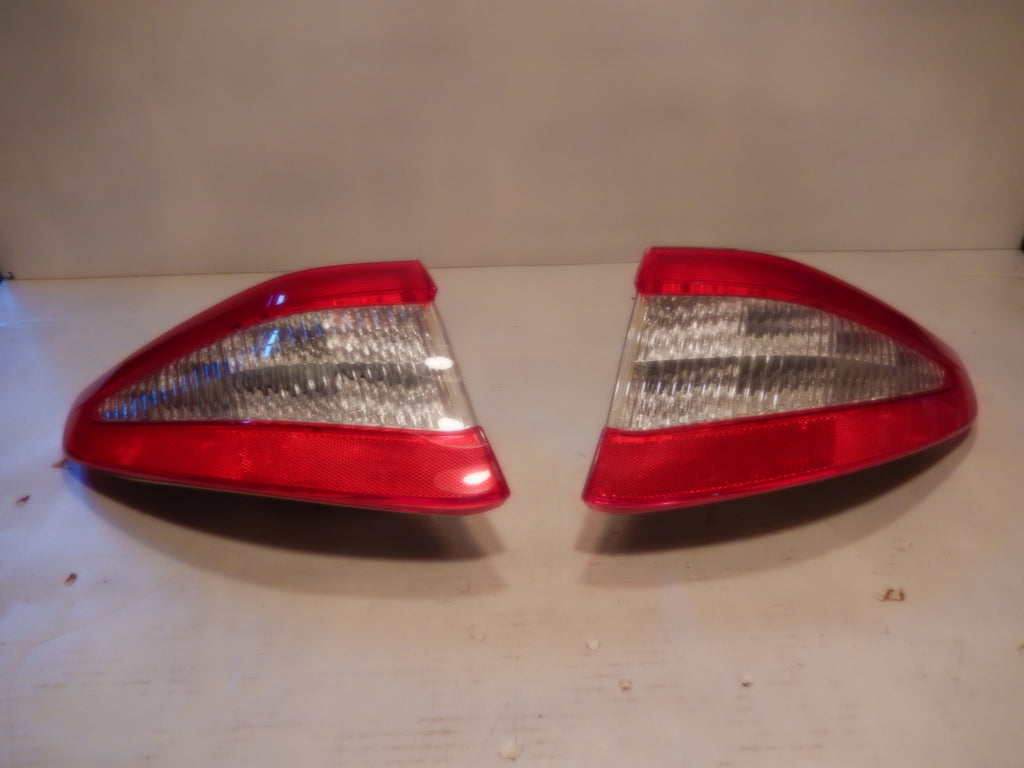 Maserati 08 - 12 Grand Turismo Pair of Tail Lights