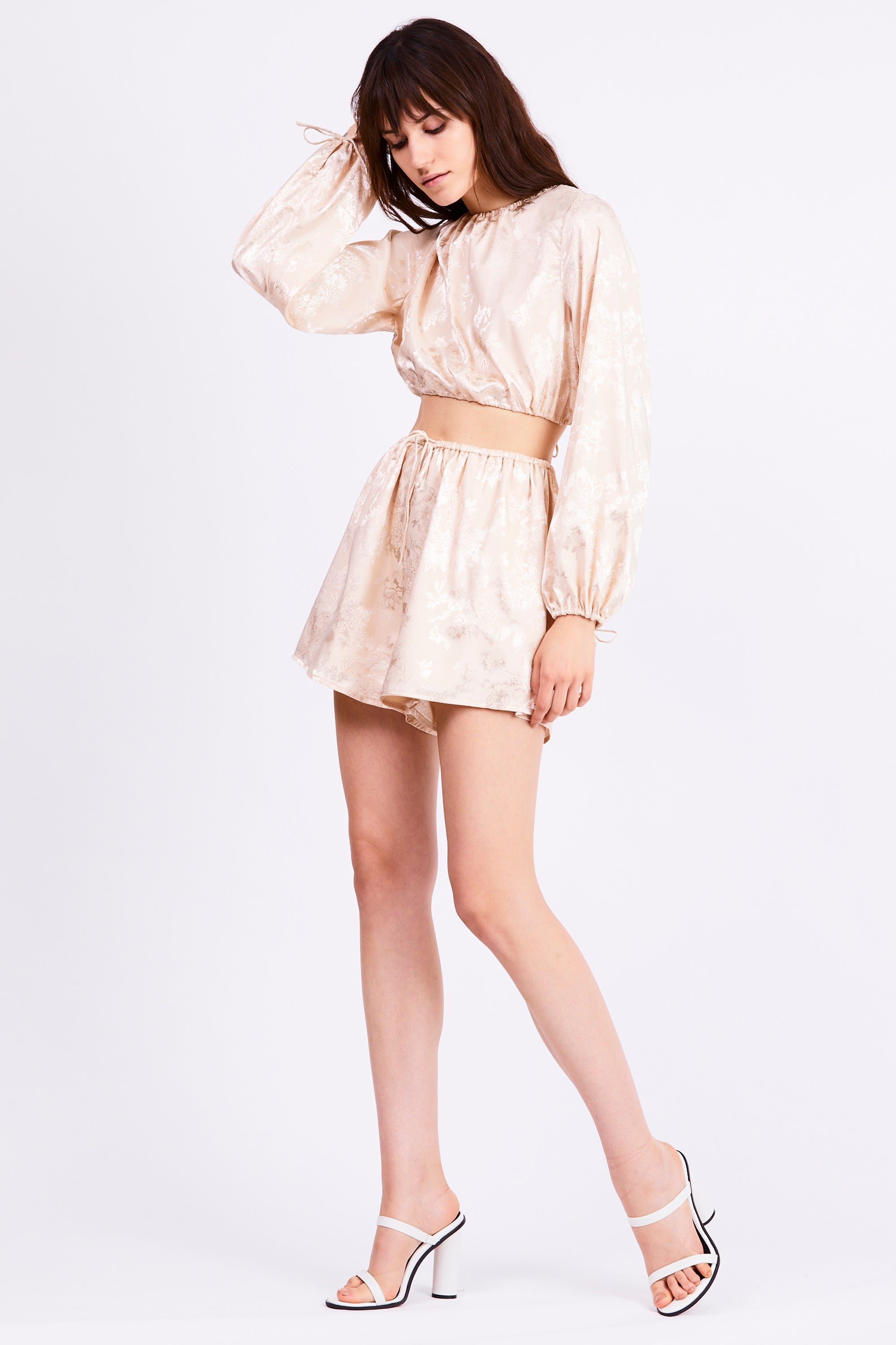 THE ORIENTAL DRAW IN BLOUSE | CREAM