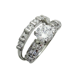 Traditional Round Cut Engagement Ring Set