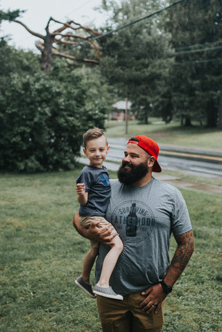 Daddin' All Day Every Day Navy + Vintage White Ink Dad Tee