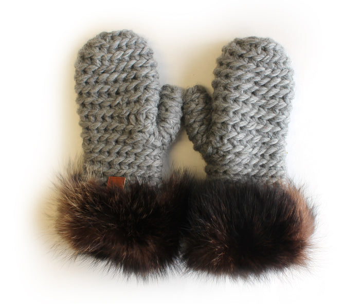 Les mitaines Raton / The Raccoon Mittens
