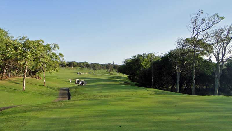 Kahili Golf Course has no homes or condos on any holes