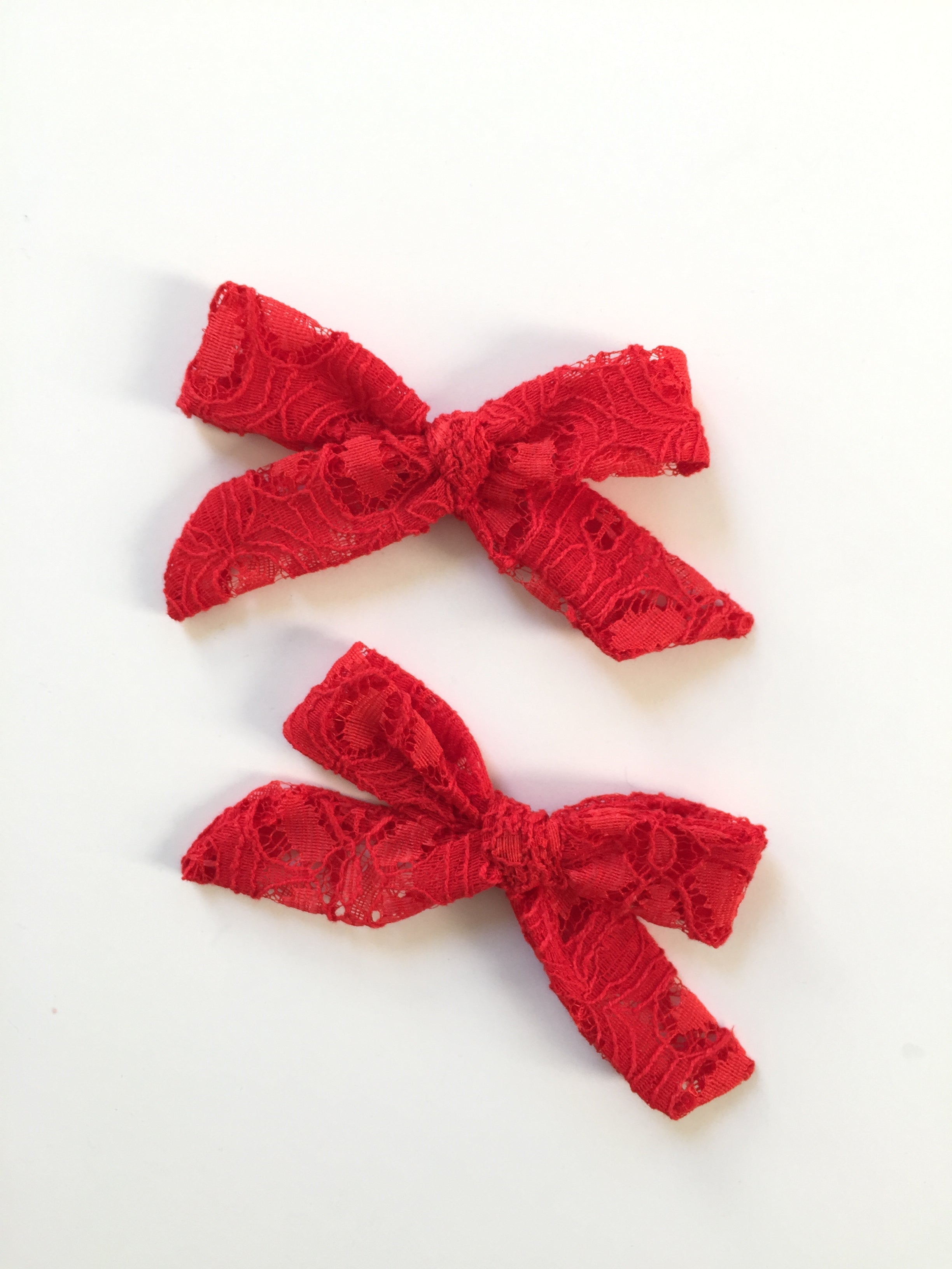 Red Daisy Lace LANA Pigtail Bows