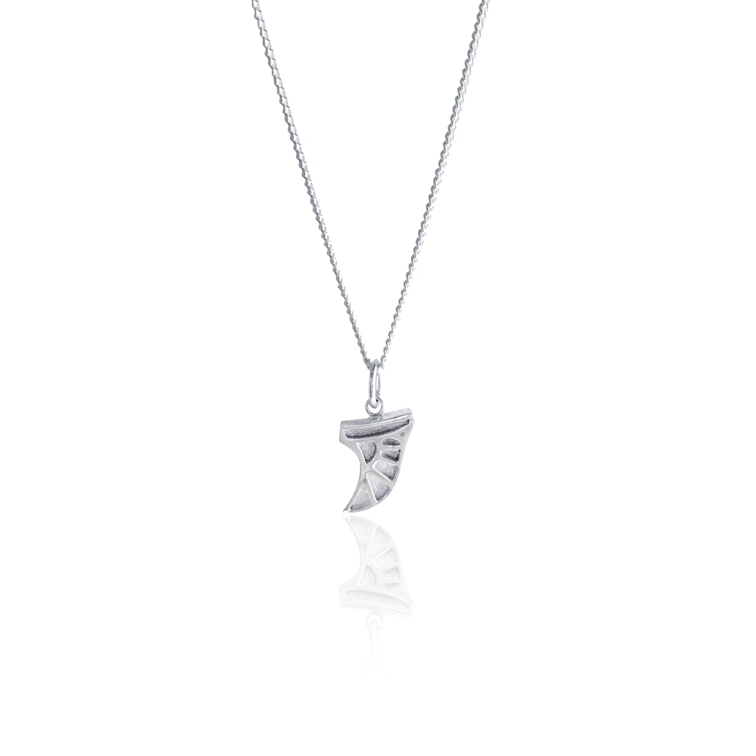 La Luna Rose Collaboration Necklace wit hGoldfish Kiss Blogger - Surf Fin Charm in Silver
