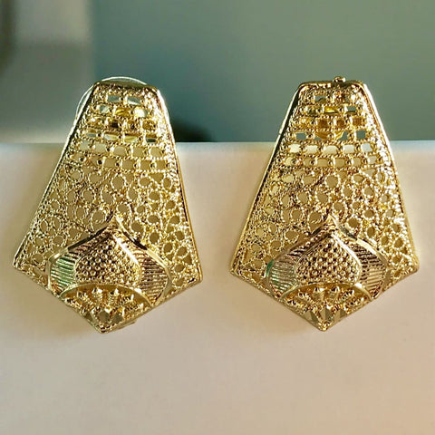 Cz Earrings Studs 18Kts of Gold Plated