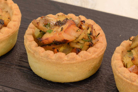 Mini tarts with apple and camembert,mushroom and curry chicken - Mannarinu - 1