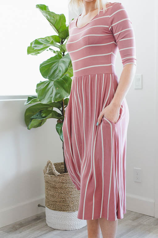 A Casual Day Striped Pocket Dress in Mauve