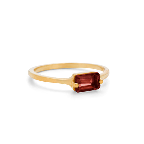 Baguette Band, Garnet, 9kt Yellow Gold