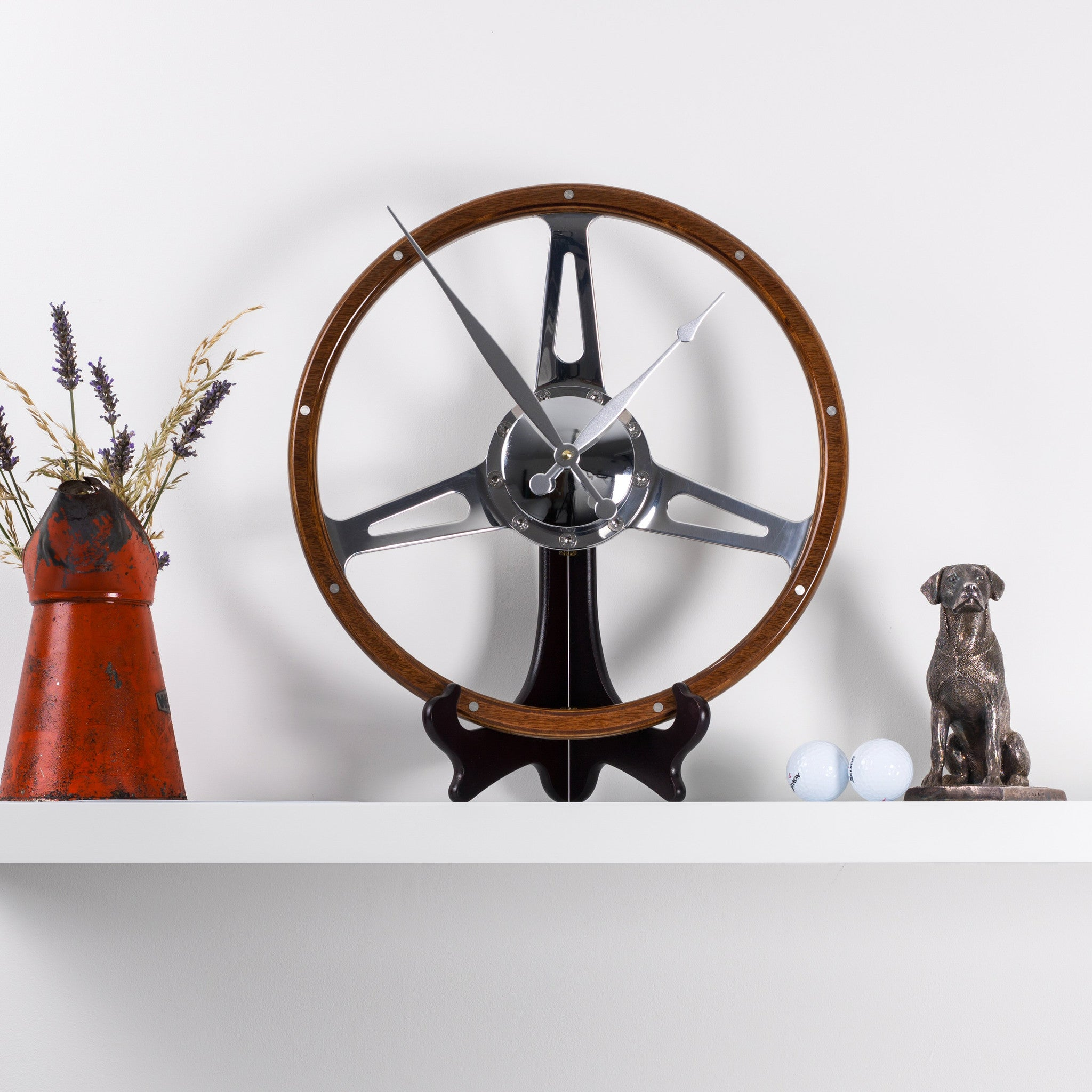 Classic car polished wooden steering wheel desk clock