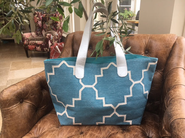 Dhurrie bag Turquoise and cream