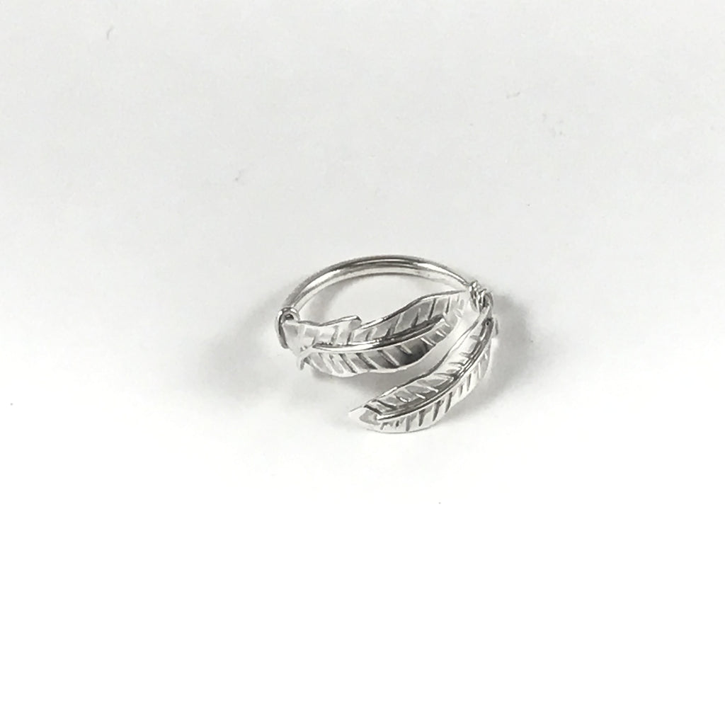 FEATHER RING