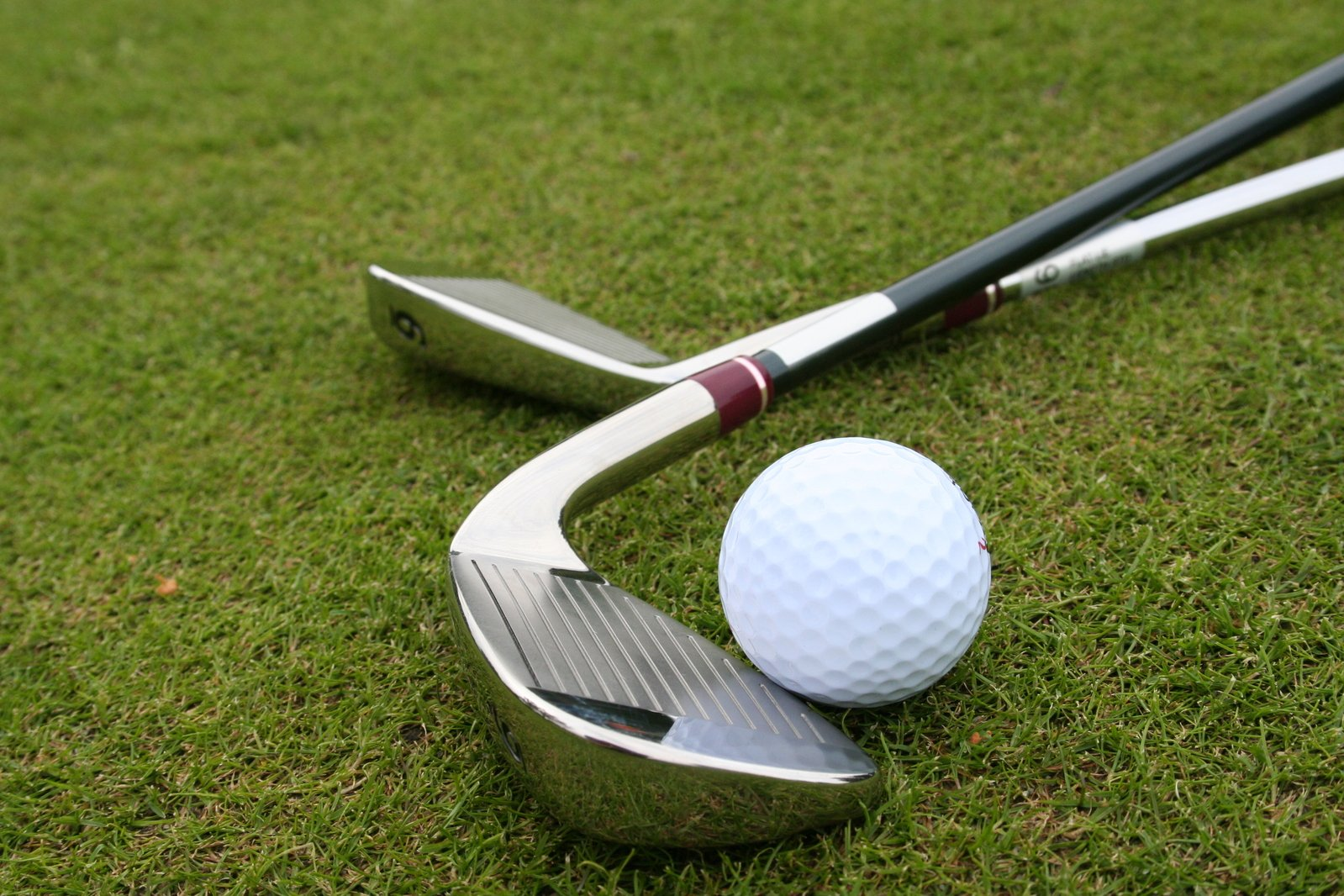 5 GOLF PRODUCTS YOU SHOULD KNOW ABOUT