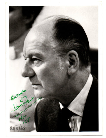 GIELGUD John - Photo Signed 1977