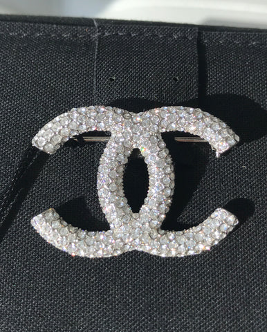 CHANEL 2019 SMALL CLASSIC BUBBLE CRYSTALS BROOCH SILVER CC LOGO PIN
