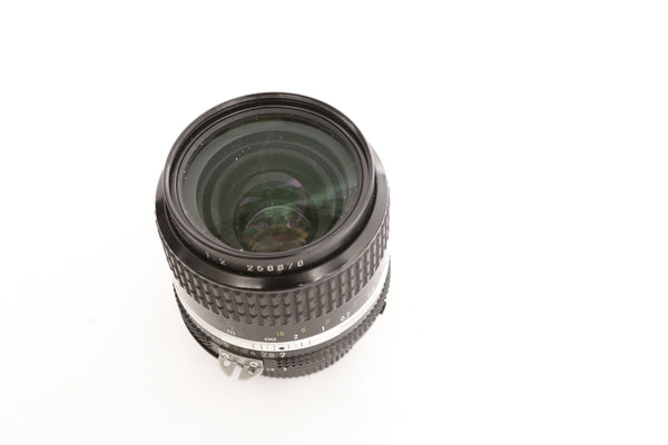 Nikon 35mm f2 with hood HN-3