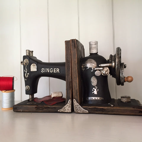 Singer Sewing Machine Book Ends - Prezents  - 1