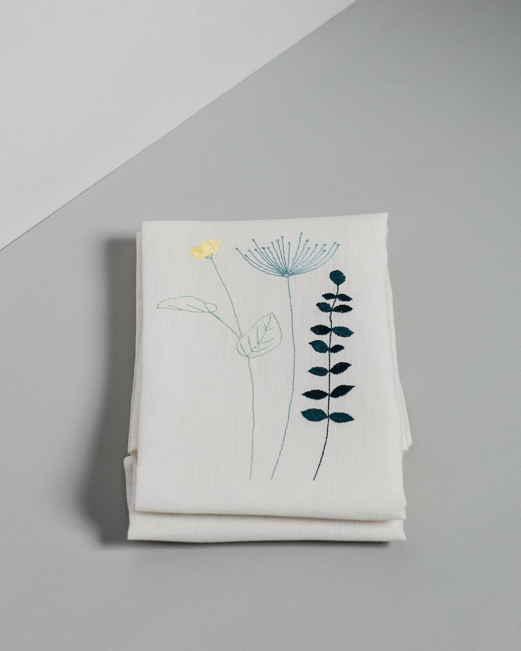 'Irish Wildflower' Irish Linen Table Runner 8 x Napkin Gift Set Spring