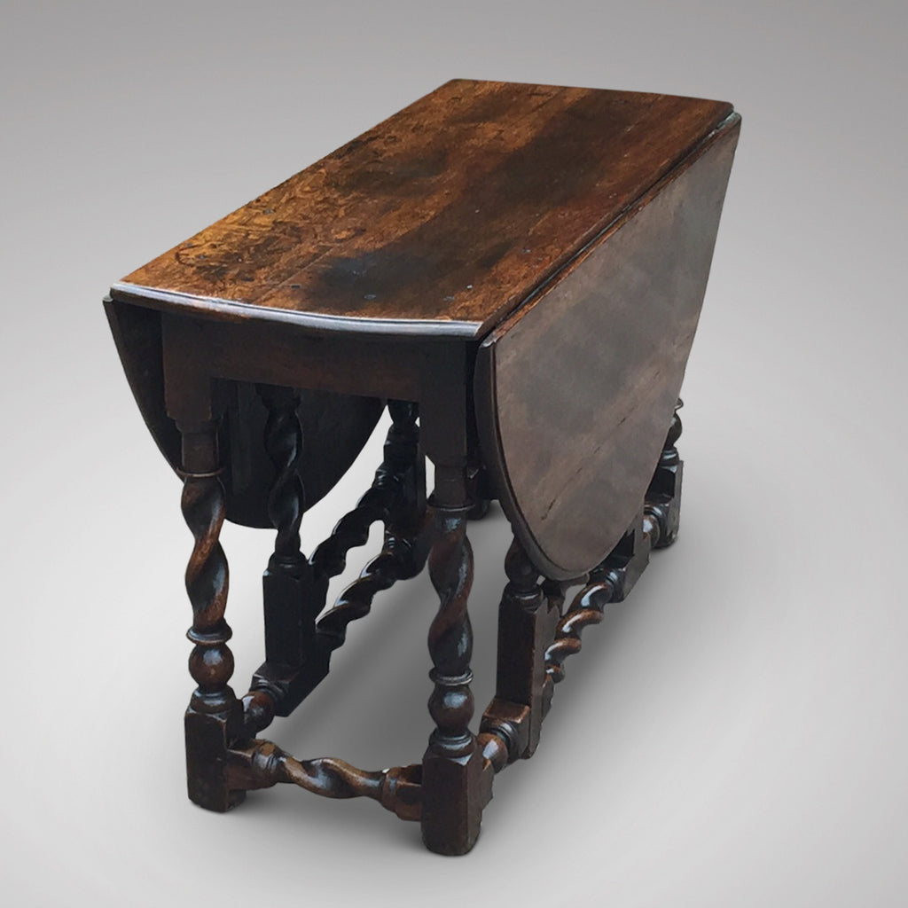 Early 18th Century Oak Gateleg Dining Table - View Leaves Down4