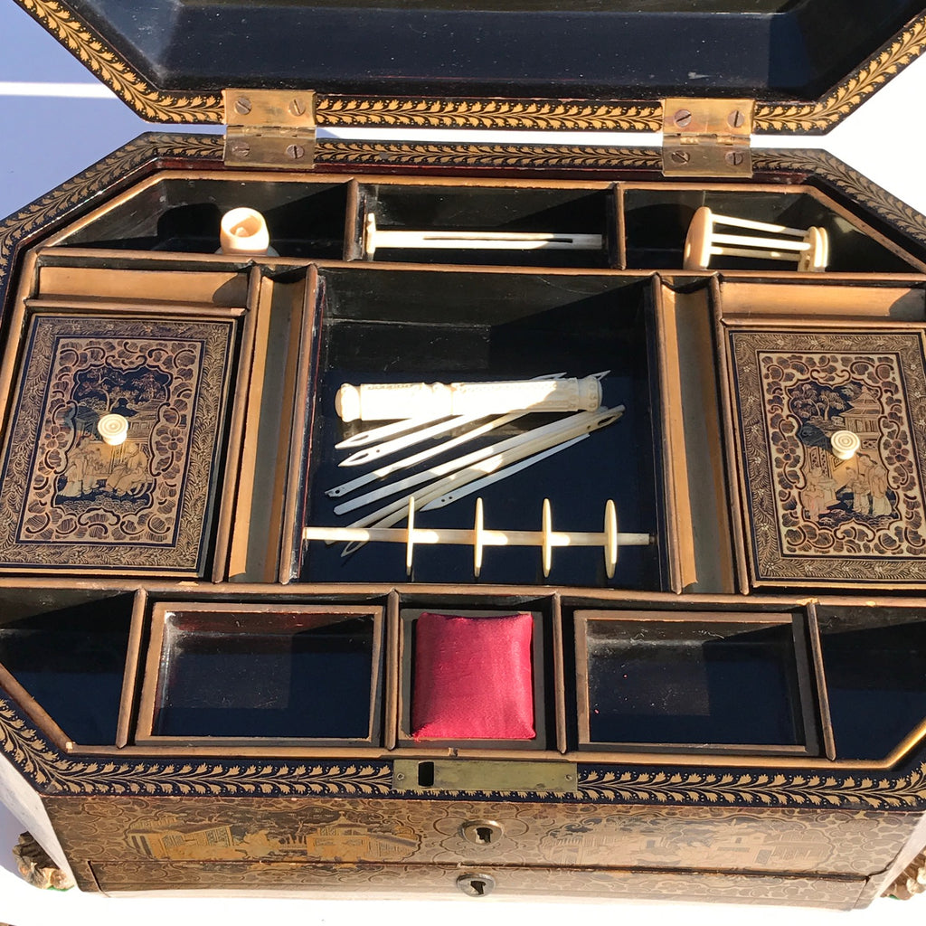 19th Century Chinoiserie Lacquered Sewing Chest - Inside View - 12