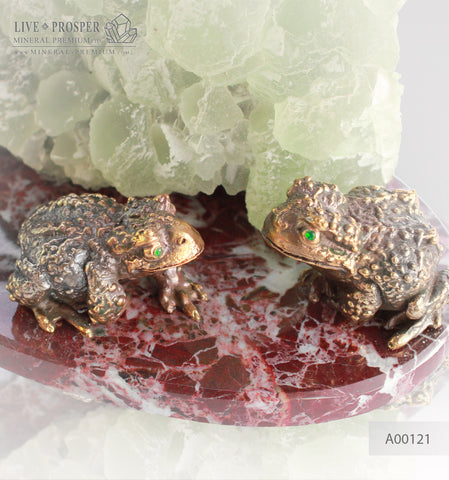 Bronze figure of Frog couple with Demantoid inserts and Fluorite on a Marvel plate