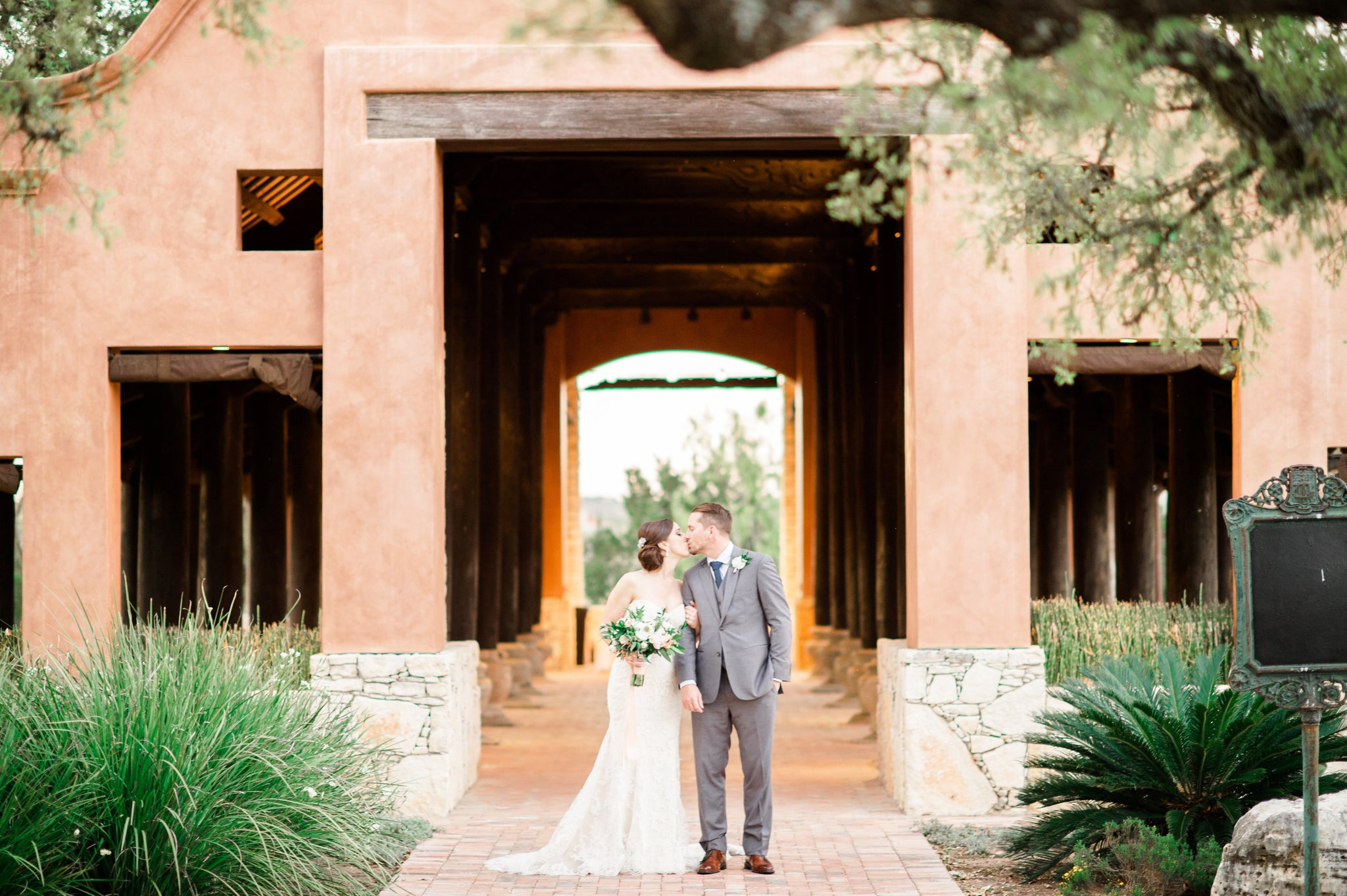 Second Shooter | Wedding Photography - Lindsey Mueller Photography